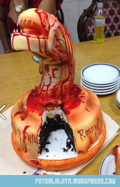 cool-alien-cake-homemade