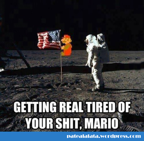 funny-Mario-moon-astronaut