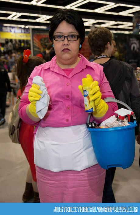 funny-cosplay-Consuela-cleaning